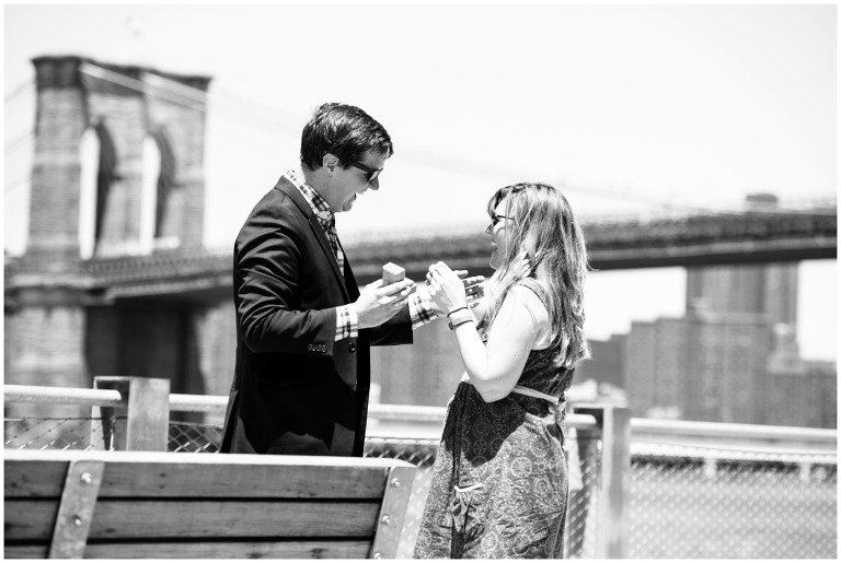 brooklyn_bridge_park_new_york_message_in_a_bottle_proposal_engagment_photography_0009