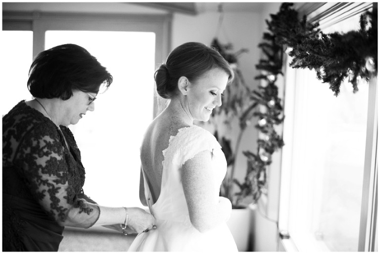 whitby_castle_rye_westchester_romantic_soft_winter_wedding_photography_11