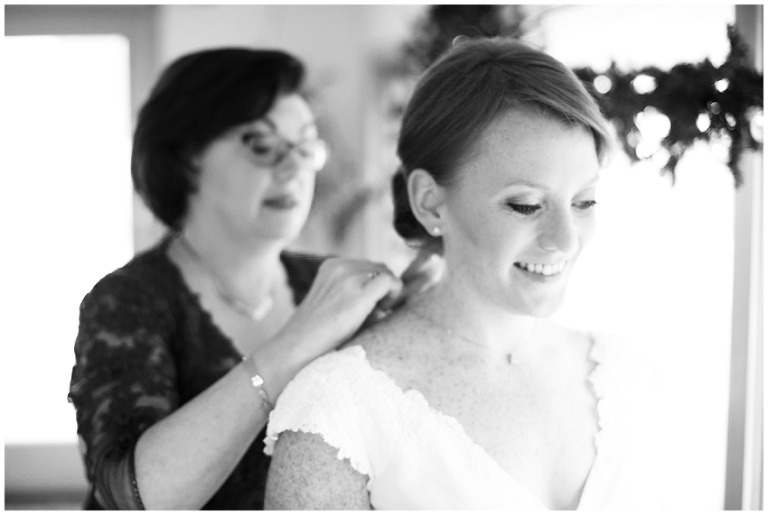 whitby_castle_rye_westchester_romantic_soft_winter_wedding_photography_14